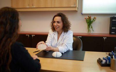 Brustvergrößerung mit Implantaten